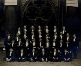 [1935] College House Photograph for Bath Service